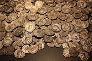 Судьба: кузнец согласился дать учёному 500 монет